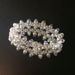 GLAMOROUS  CZECH CRYSTAL BEAD STRETCH BRACELET